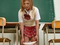 激尿と恍惚に浸る少女1