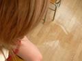 激尿と恍惚に浸る少女3